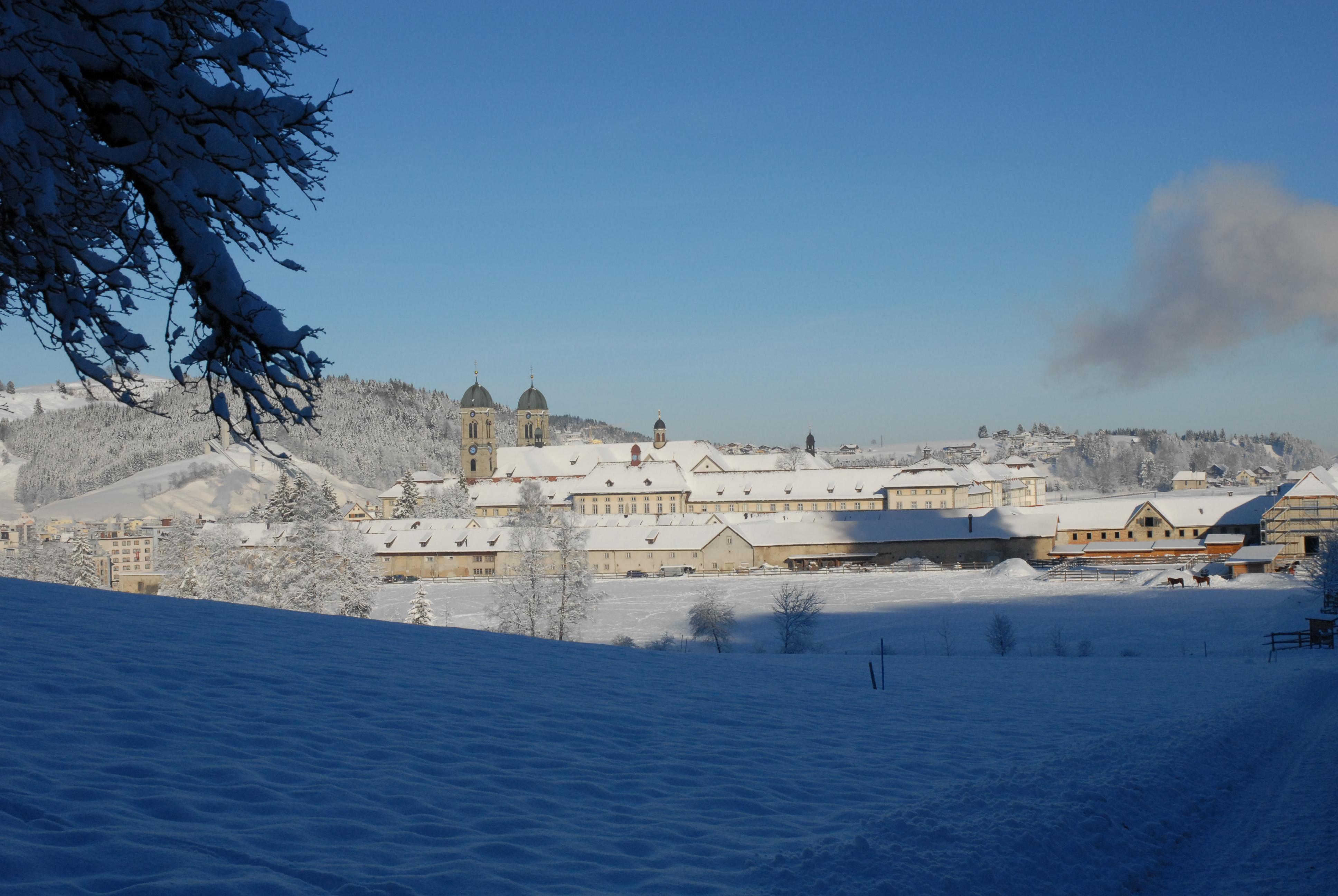 Dorfmarketing Einsiedeln Winter Kloster